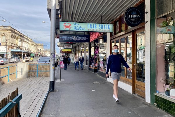 Smith Street Collingwood is full of restaurant cafes and boutique shopping experiences